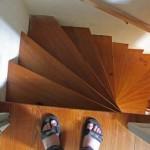 bolehkah ibu hamil naik turun tangga
