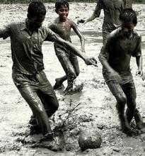 manfaat anak bermain olahraga diluar